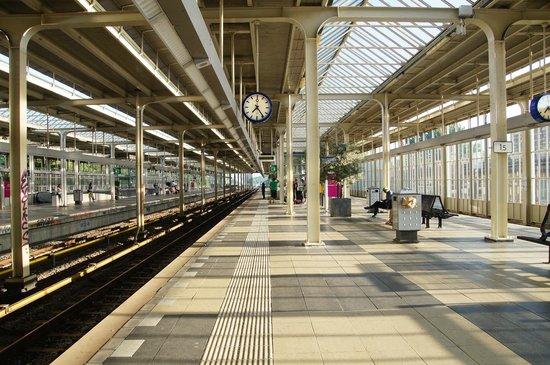 Hotel Casa 400: The Train station - so clean