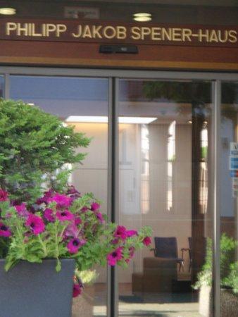 Das Spenerhaus: Вход в отель