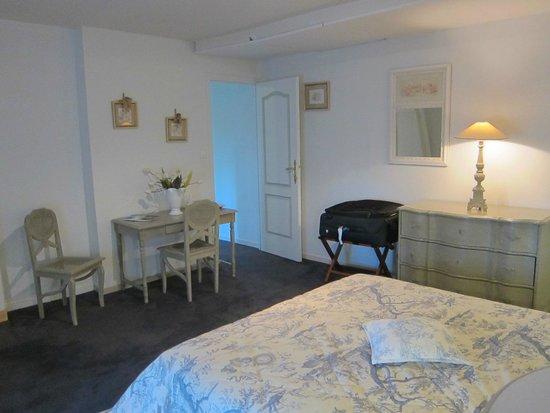 Chateau de Beaulieu : room