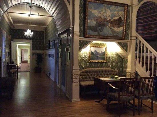 Kviknes Hotel: 飯店內角落