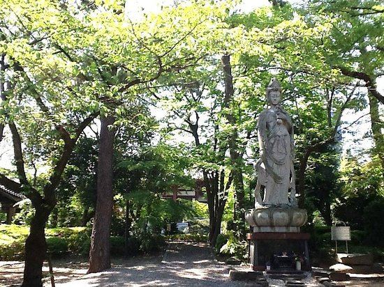 Zojoji Temple : Estatua no jardim do templo Zojoji