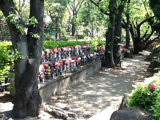 Zojoji Temple : Estatuinhas de Jizo adornadas
