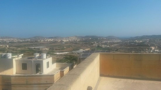 Il-Girna Residence : View of the citadel