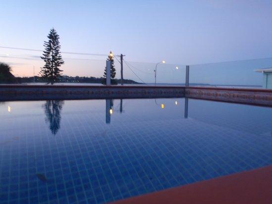 Beachhouse Mollymook: The pool