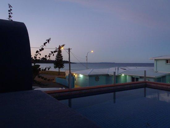 Beachhouse Mollymook: The pool again