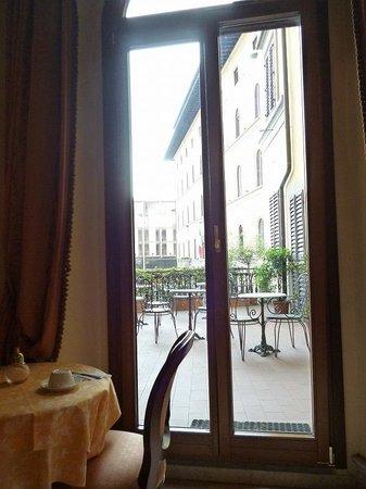 Domus Florentiae Hotel: 朝食場所からの眺め