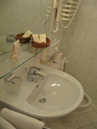 MDM Hotel: 4