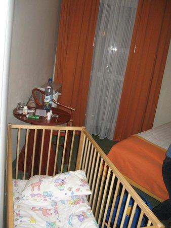 MDM Hotel: 9