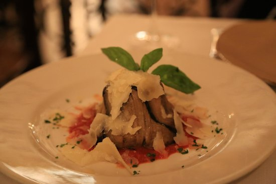 Ristorante Accademia: aubergine cake