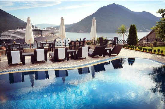 Hotel Restaurant Per Astra: Swimming Pool