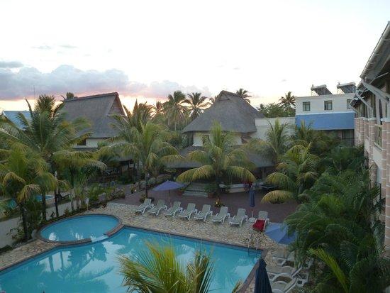 Le Palmiste Resort & Spa: vue du balcon