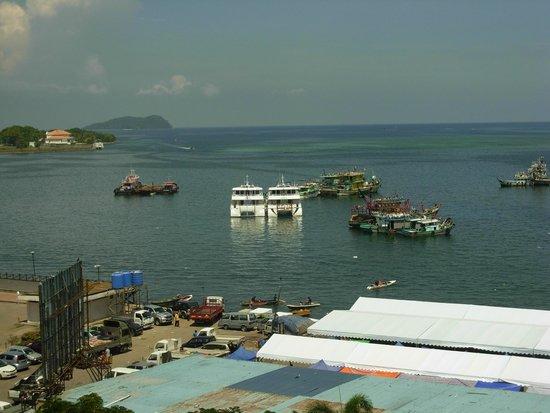 Le Meridien Kota Kinabalu: daytime