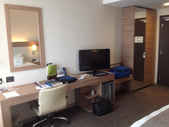 Doubletree by Hilton Milan: Good working space. Very slow internet.