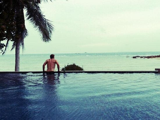 Beyond The Blue Horizon Villa Resort : Pool