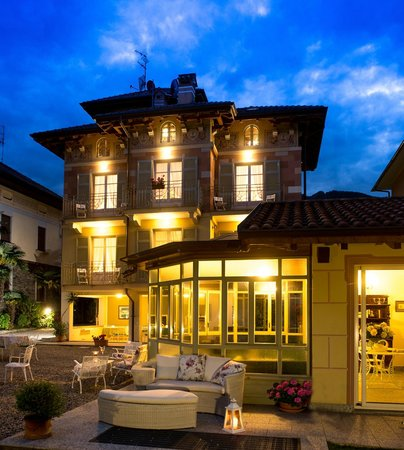 Residence Ortensia : foto notturna