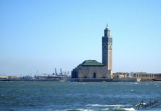 Mosquée Hassan II, vue phare El Hank