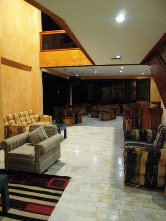 Hotel Calli: Холл