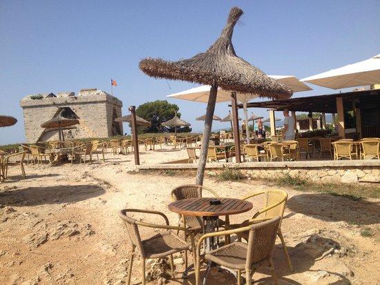 Hotel Sur: Castle bar