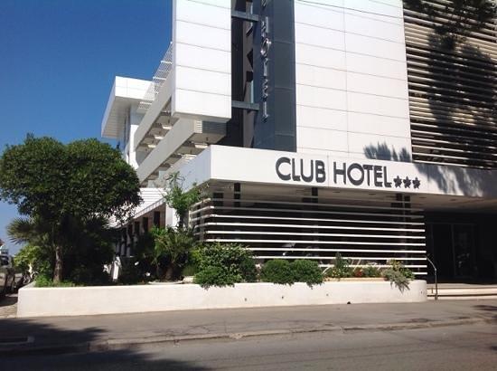 Club Hotel Riccione: ingresso principale - scorcio