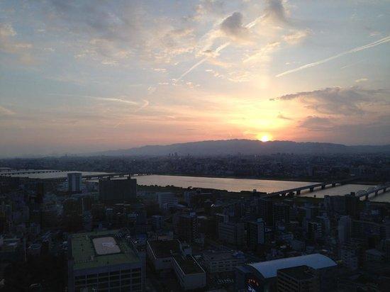Intercontinental Hotel Osaka: 部屋から見える夕景
