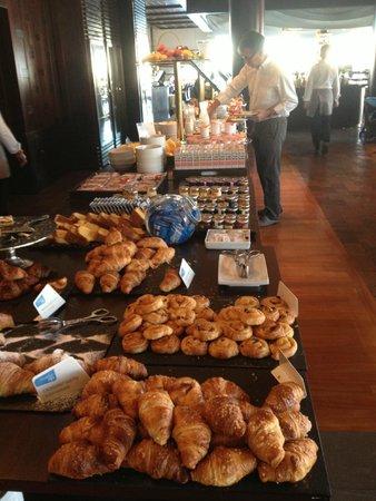 NH Collection Genova Marina: Buffet colazione