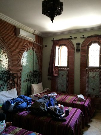 Hotel Salsabil: 3 bed room, on second floor.