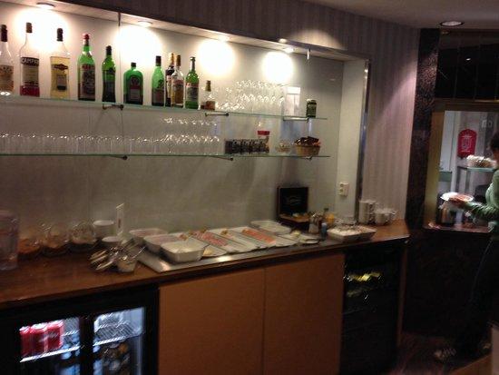 Hotel Rivoli Jardin: Breakfast