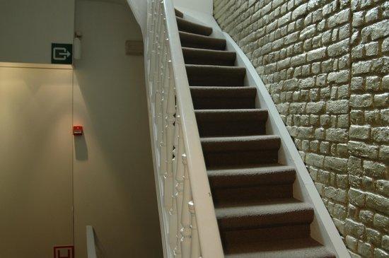 Esperance: Лестница в отеле.