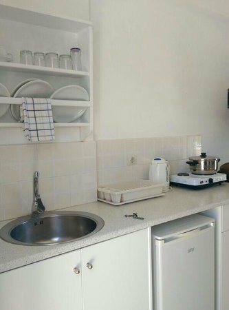 Louis Studios: kitchenette