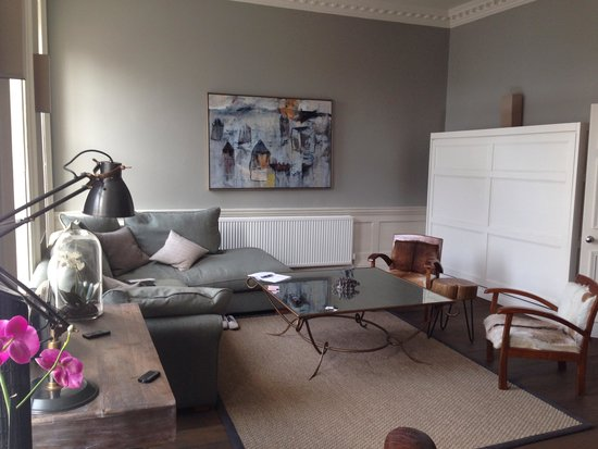 The Halcyon Hotel Apartments: Lounge