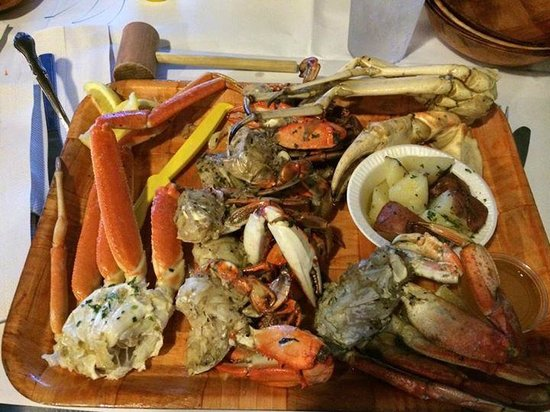 Rustic Inn Crabhouse : mixed crabs