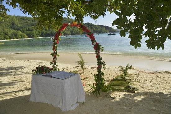 our wedding on the north beach at Constance Ephelia