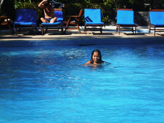 Tanoa International Hotel : Shine at Tanoa - fun in the pool