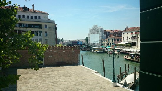 Hotel Canal Grande : View from the room