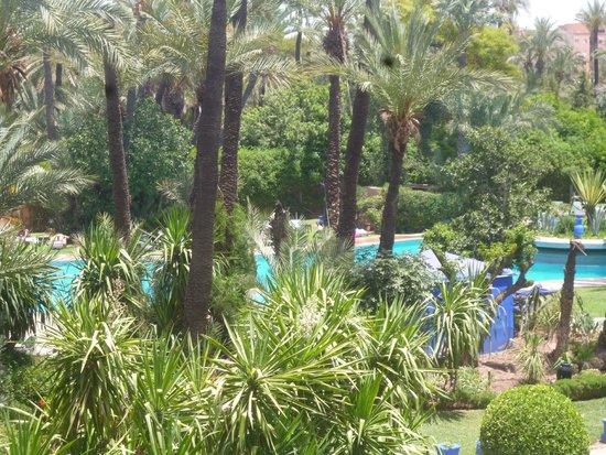 Hotel Marrakech le Semiramis: Vue de la chambre sur espace piscine