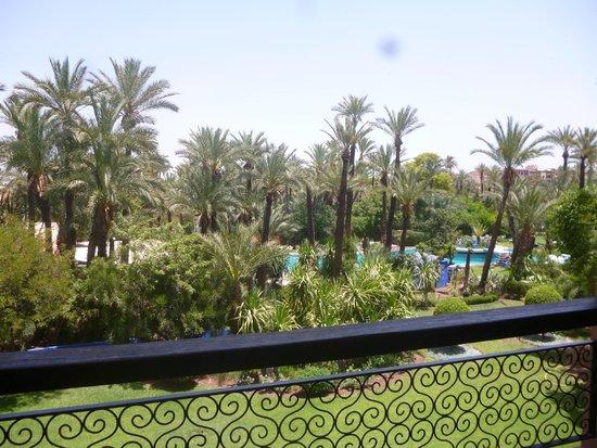 Hotel Marrakech le Semiramis: Vue de la chambre sur l'espace piscine