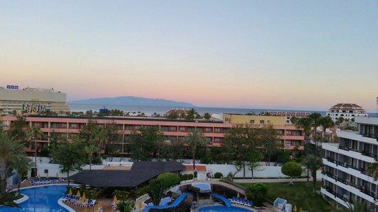 Spring Hotel Bitacora : Beautiful sunrise from room 518.