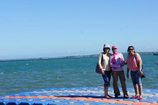 Pink Beach: tanjung luar port