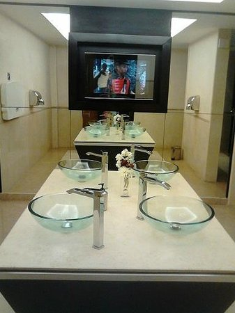 Cleopatra Luxury Resort Sharm El Sheikh: Reception area ladies toilets