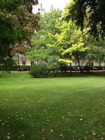 Museo de la Orangerie: 綺麗な公園の中にあります