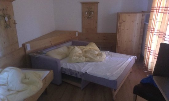My Mountain Lodge : Extra bedden voor de kinderen in aparte ruimte met deur