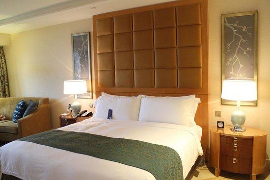 Conrad Macao Cotai Central: 무척 편안해 일어날 수 없었던 침대 매트와 침구