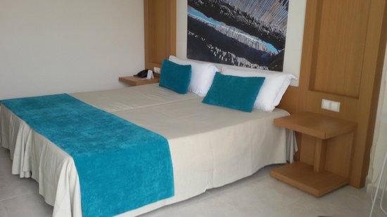 Sirenis Hotel Goleta & Spa: Habitación