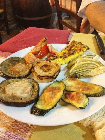 Osteria Da Checco Ar 65: Verdure al forno