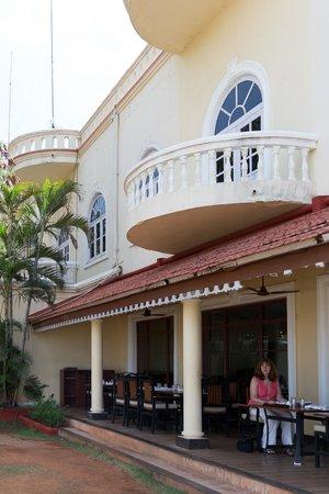 The Gateway Hotel Pasumalai Madurai : Restaurant Terrace