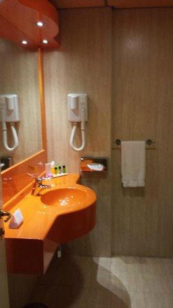 Hotel Galilei: Bathroom