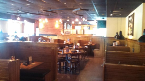 Outback Steakhouse : Side Dining Room
