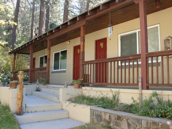 Hostel Tahoe: View of hostel
