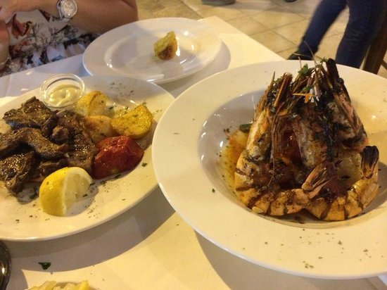Kyklos Greek Restaurant : don't be deceived by the photo, prawns were overcooked!