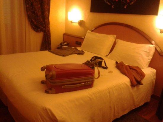 Best Western Plus Hotel Genova : bed
